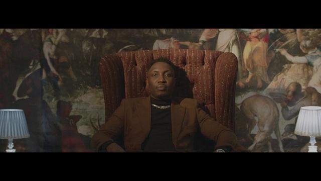VIDEO: A-Q – Intro-Vert